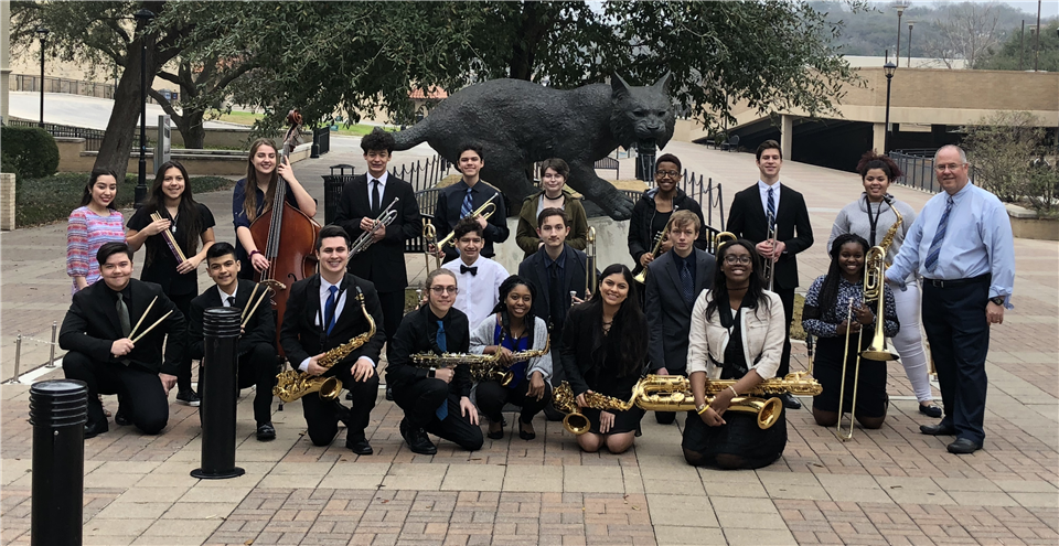 Jazz Band in front of Wildcat statue
