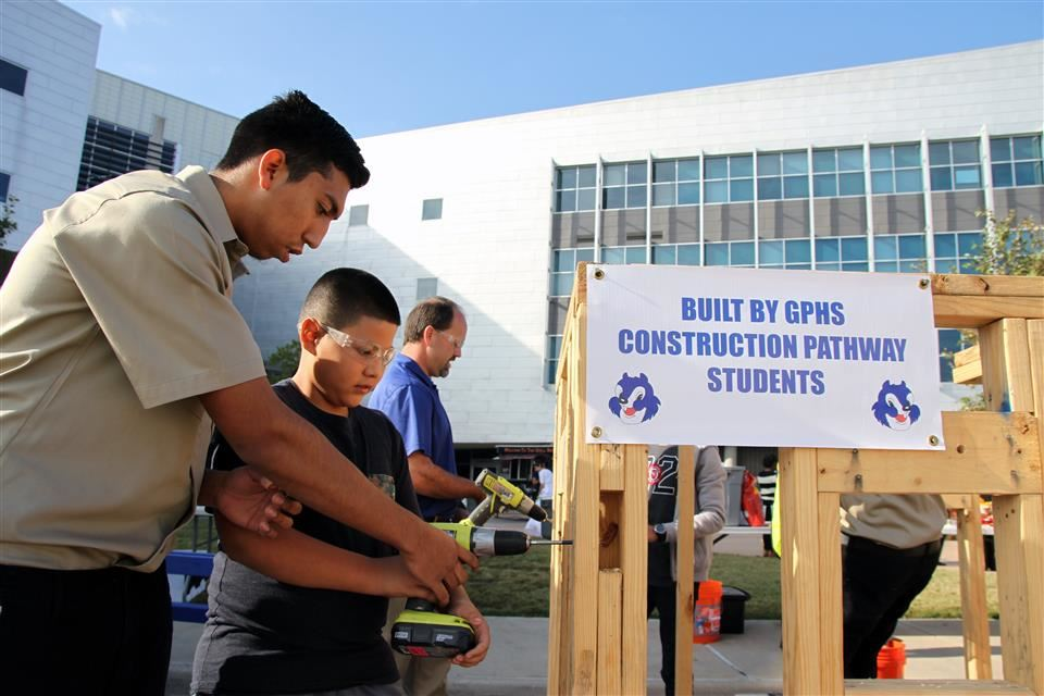 "Grand Prairie Housing ""Future Builders Program"" Best in Nation"